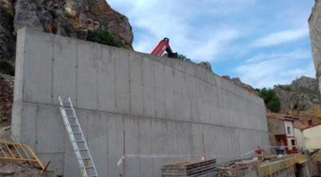 Construcción de muros de contención en Berdejo